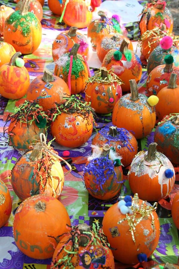 De Pompoenen van Halloween van Deorated stock afbeeldingen