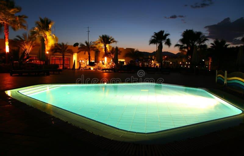 De pool van de nacht stock afbeelding