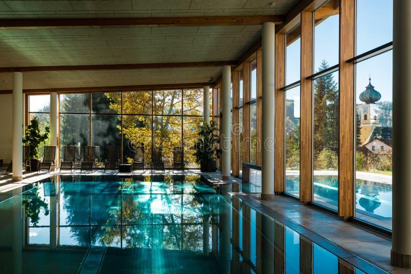 De pools van het luxehotel royalty-vrije stock foto