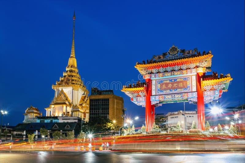 De poort aan chinatown in Yaowarat, Bangkok, Thailand royalty-vrije stock fotografie