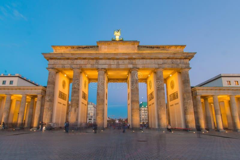De Poort van Brandenburg bij Blauw Uur royalty-vrije stock fotografie