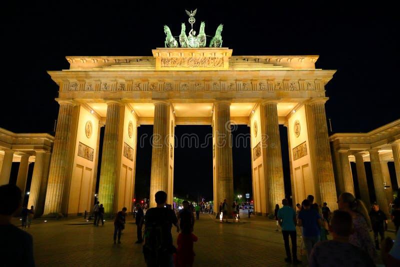 De Poort van Brandenburg bij nacht, Berlijn, Duitsland Deutschland royalty-vrije stock foto