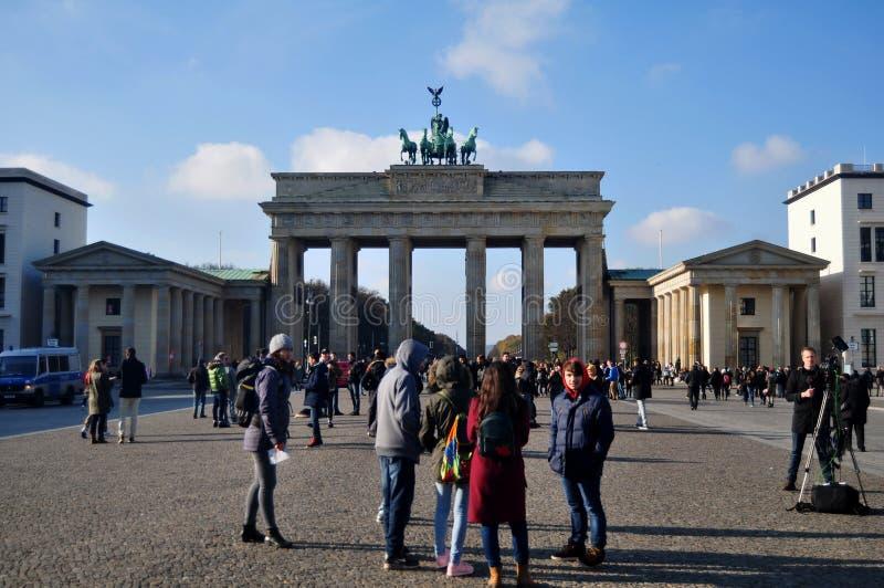 De Poort van Brandenburg is de 18de eeuw neoklassiek monument en pictogram van Berlijn, Duitsland royalty-vrije stock foto