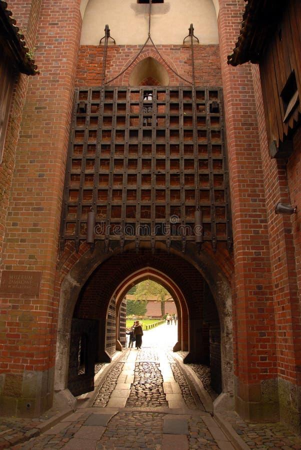 De poort van de ingang van het kasteel royalty-vrije stock foto's