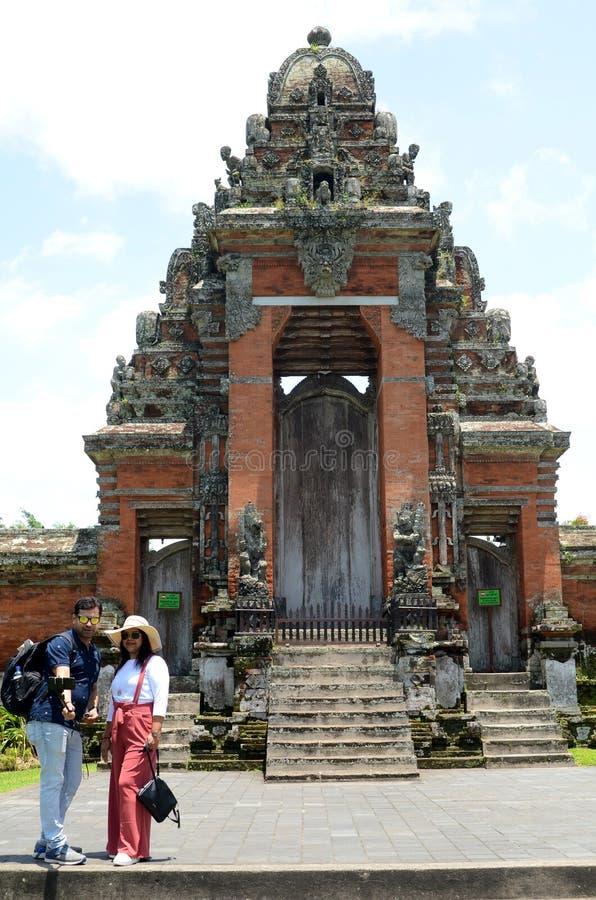 De poort van Pura Taman Ayun Temple in Bali royalty-vrije stock foto's