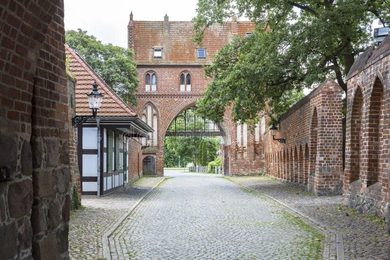 De poort van de Stargarderpiek in Neubrandenburg, Duitsland royalty-vrije stock afbeelding