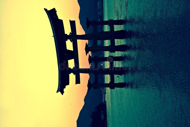 De poort van Torii in Miyajima, Japan stock afbeelding