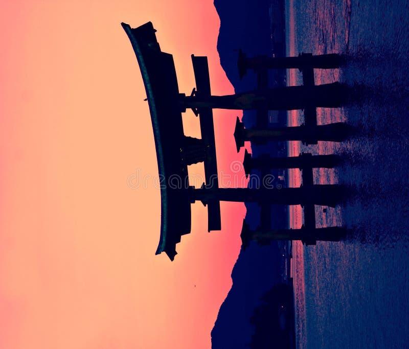 De poort van Torii in Miyajima, Japan stock foto