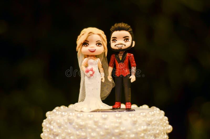 De poppen van de huwelijkscake stock fotografie