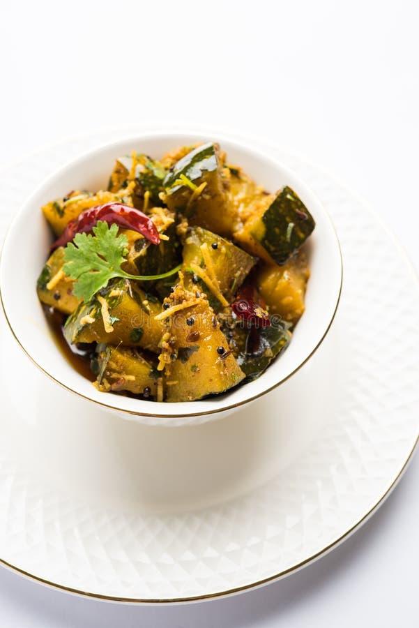 De populaire Indische droge kerrie van de hoofdgerecht plantaardige Pompoen of sabzi van kaddooorkaddu ki in hindi, lal bhaji van stock foto's