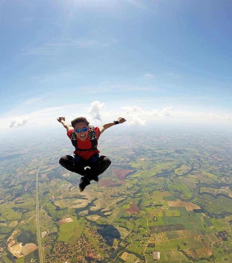 De positie van de Skydivermeditatie royalty-vrije stock afbeelding