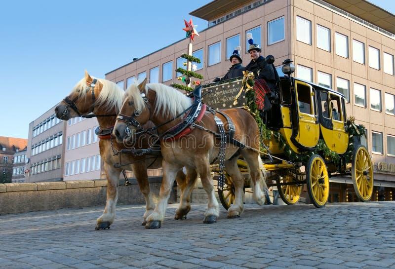 De post leveringsdienst van de Kerstman royalty-vrije stock afbeelding