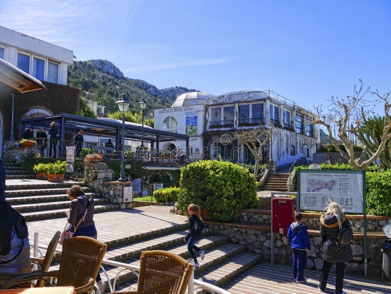 De post van de stoellift voor reizen op Monte Solaro op het Eiland Capri in Italië royalty-vrije stock foto's