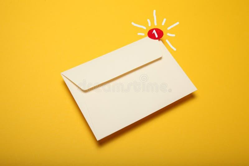 De Postbestellingsdienst Smspraatje, nieuwe e-mail Bedrijfs mededeling royalty-vrije stock afbeeldingen