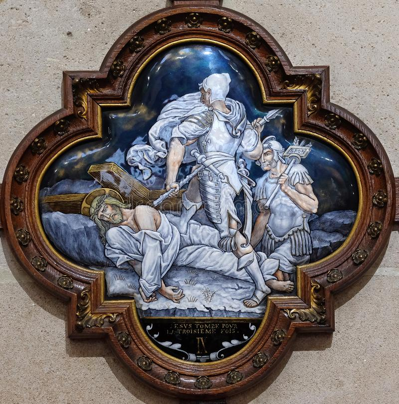 de 9de Posten van het Kruis, Jesus valt de derde keer stock afbeeldingen
