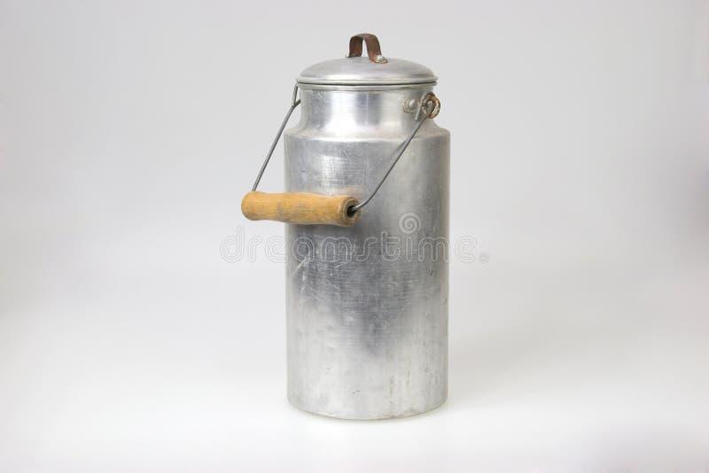 De pot van de melk royalty-vrije stock afbeeldingen