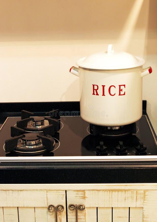 De pot van de rijst stock afbeeldingen