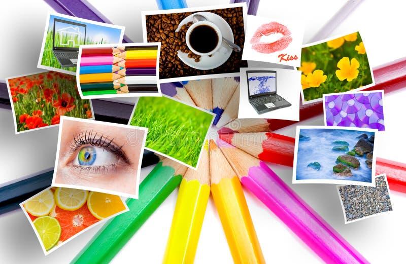 De potloden en de foto's van de kleur stock afbeelding
