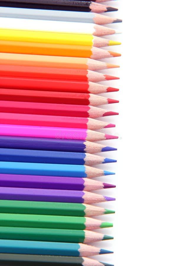 De potloden van de kleur in rij royalty-vrije stock fotografie