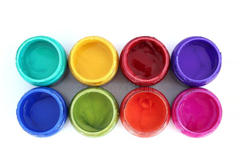 De potten van de regenboogverf stock afbeeldingen