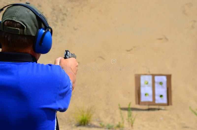 De praktijk van het pistooldoel royalty-vrije stock afbeeldingen