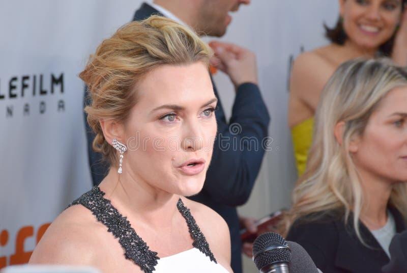 De première van Kate Winslet 2017 van ` een Berg tussen ons ` stock foto
