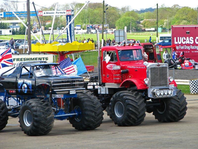 De presentatie van de Vrachtwagen van het monster stock fotografie