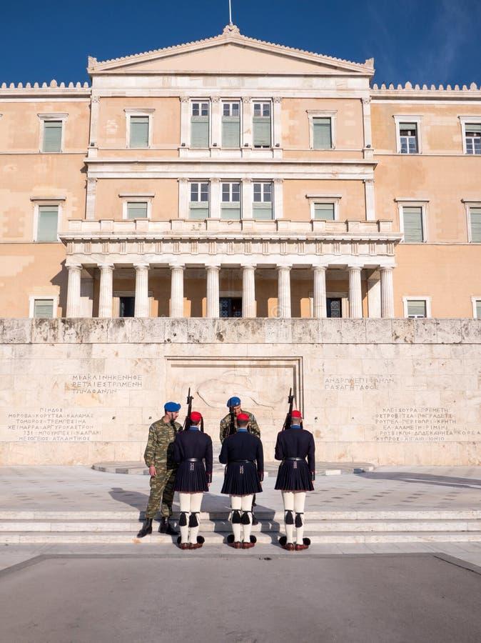 De presidents- vakterna i Aten arkivbild