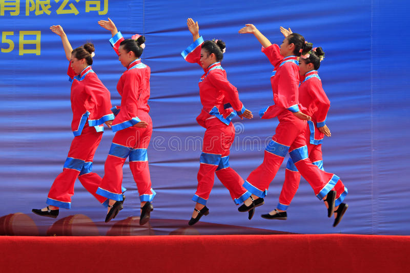 De prestaties van de de Schaduwdans van vrouwen op het stadium, China royalty-vrije stock fotografie