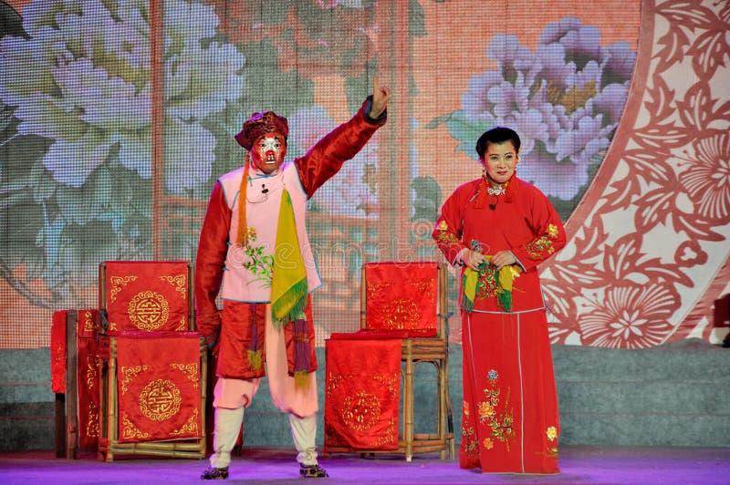 De Prestaties van de Sichuaneseopera op Lantaarnfestival stock afbeelding