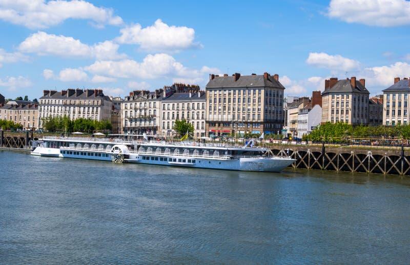 De Prinses van de Loire van het cruiseschip legde tijdens een reisonderbreking in Nantes, Frankrijk vast stock foto