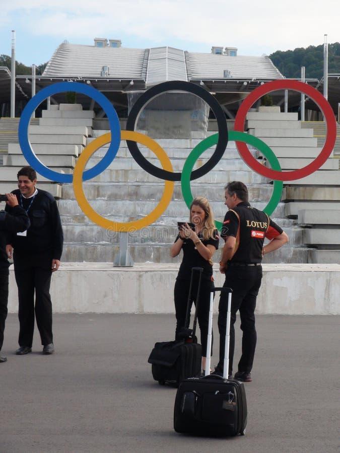De privé handelaren het aankomen gebeurtenissen worden gefotografeerd tegen de achtergrond van FORMULE 1 van Sotchi Autodrom 2014 stock afbeeldingen