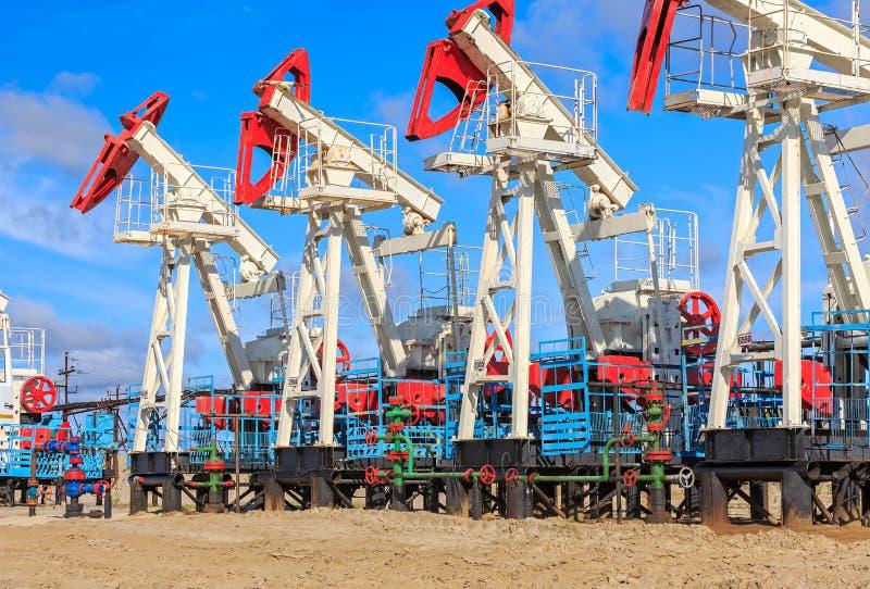 De productie van de olie en van het gas stock afbeelding