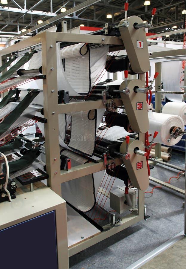De productie van plastic pakketten royalty-vrije stock afbeelding