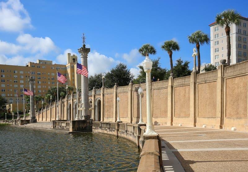De Promenade van de meerspiegel in het Lake District, Florida wordt gevestigd dat royalty-vrije stock fotografie