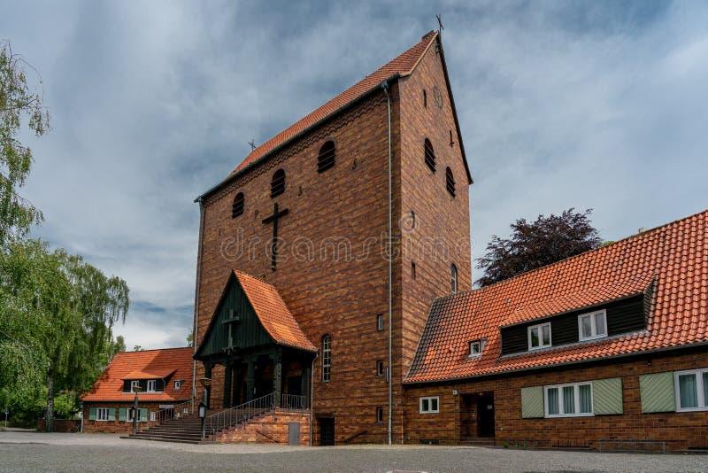 De protestantse kerk van Johannes in Berlin Frohnau Germany stock foto's