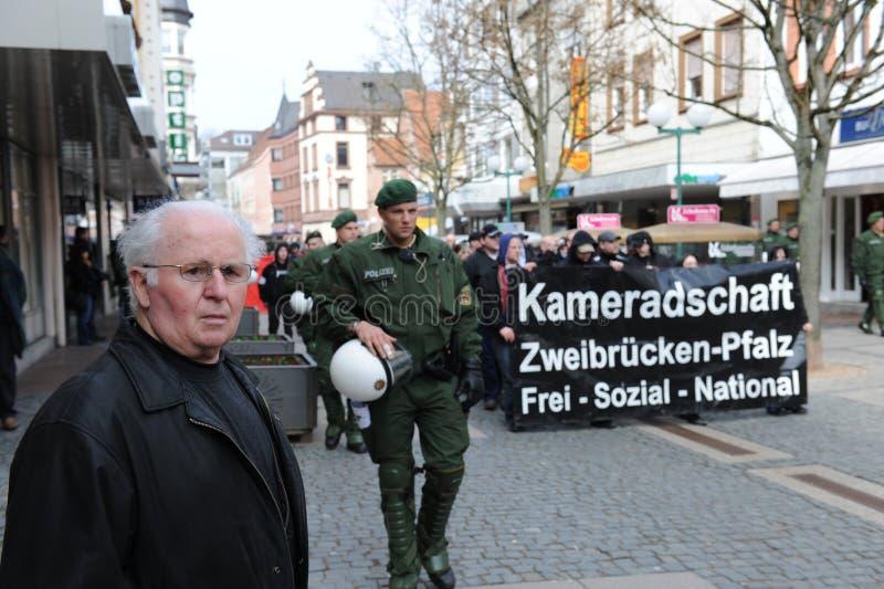 De protesteerder ving door Politie royalty-vrije stock fotografie