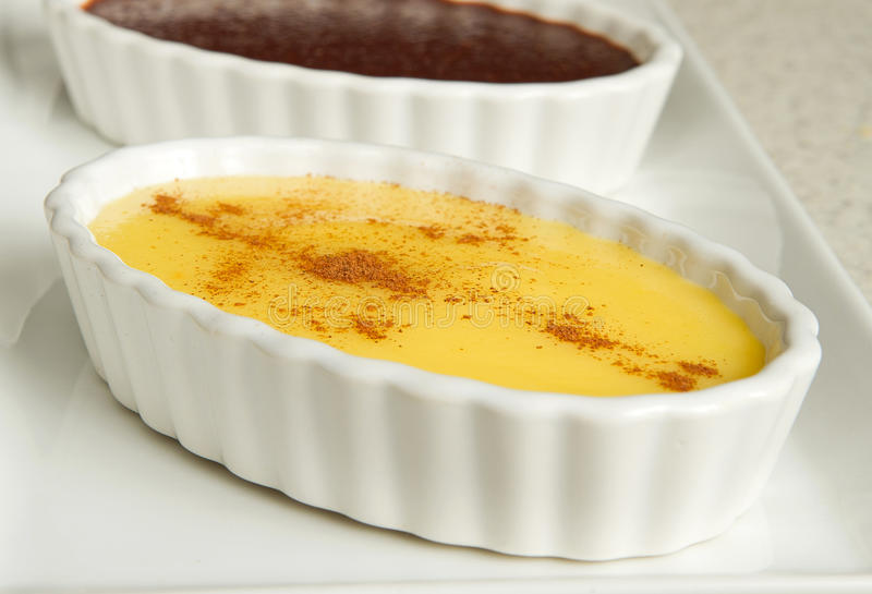 De pudding van de vanille stock fotografie