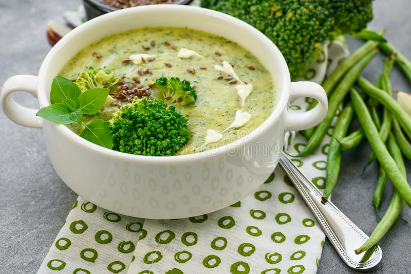 De puree van de broccolisoep stock fotografie