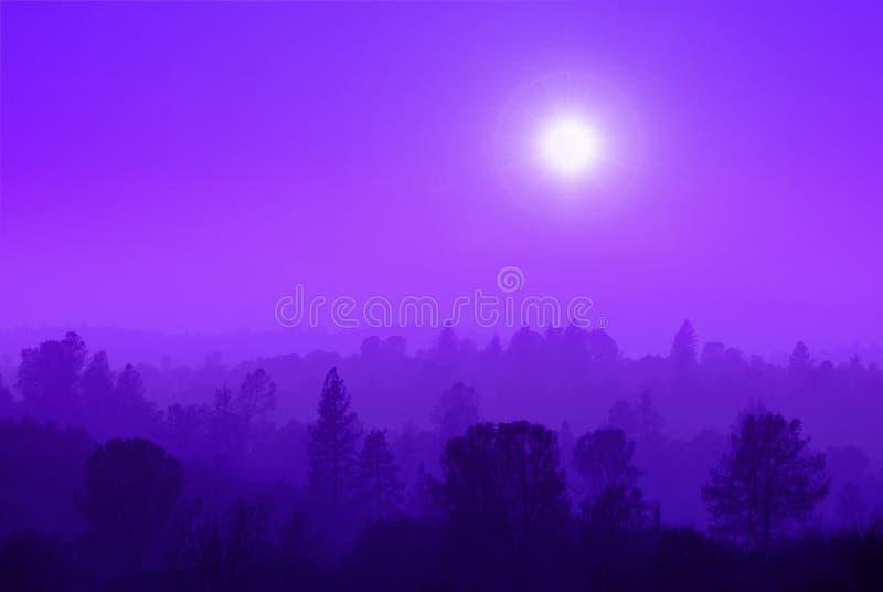 De purpere Mist van de Berg royalty-vrije stock afbeeldingen