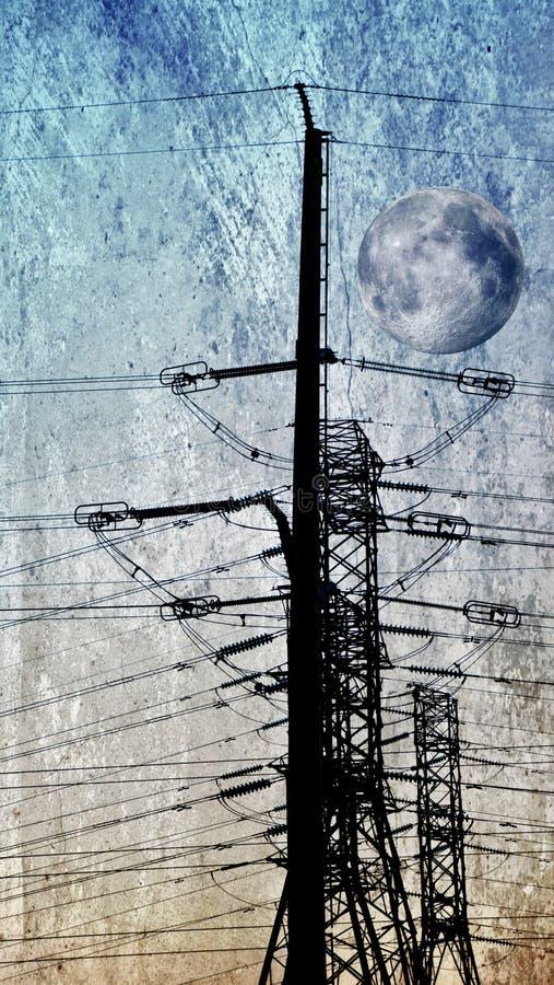 De pyloon van de elektriciteit op blauwe hemel stock afbeeldingen