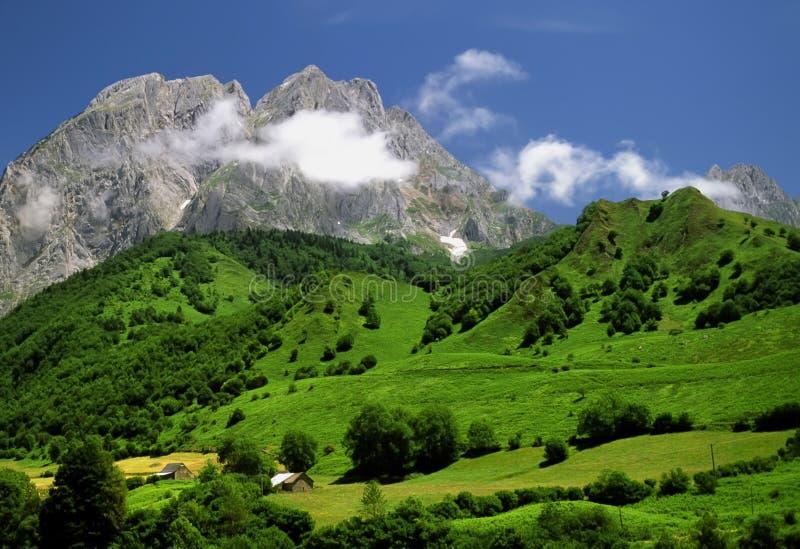De Pyreneeën stock fotografie