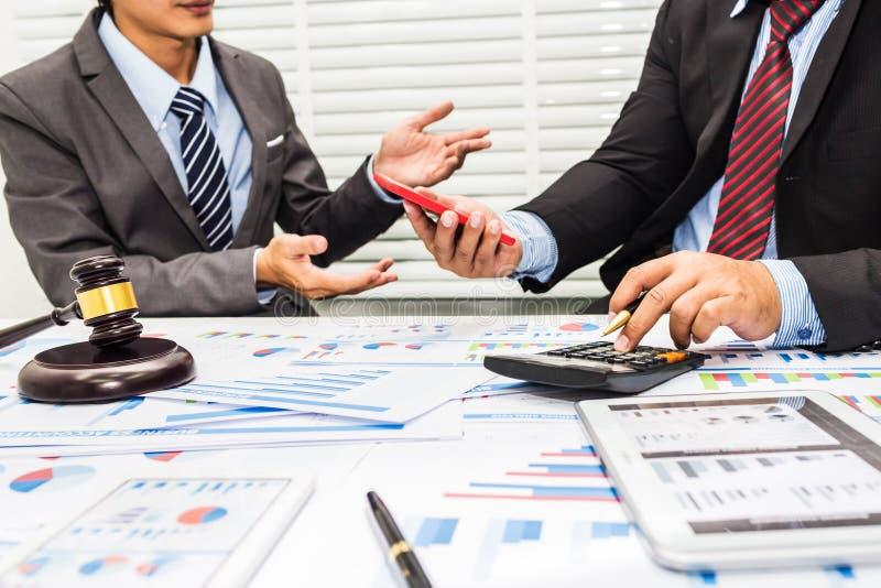 De raad van advocaten en bankiers royalty-vrije stock afbeeldingen