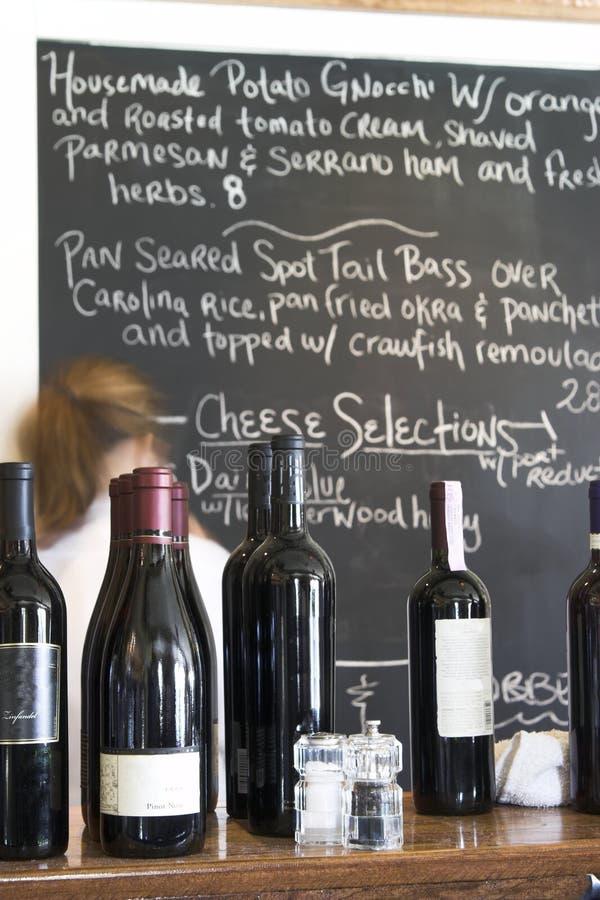 De raad van de wijn en van het menu bij restaurant royalty-vrije stock foto