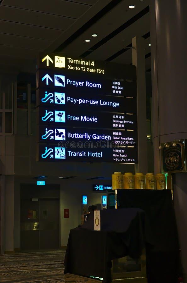 De raad van het de luchthaventeken van Singapore stock afbeeldingen
