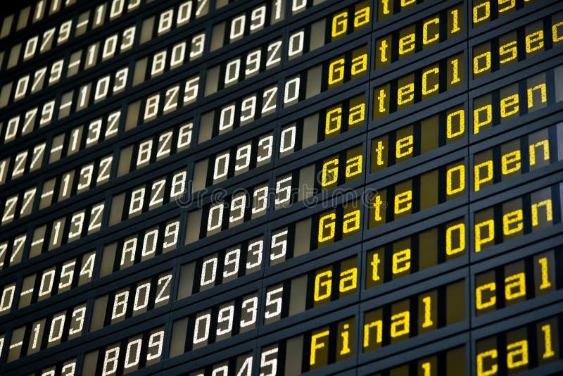 De raad van het vertrek in luchthaven royalty-vrije stock foto's