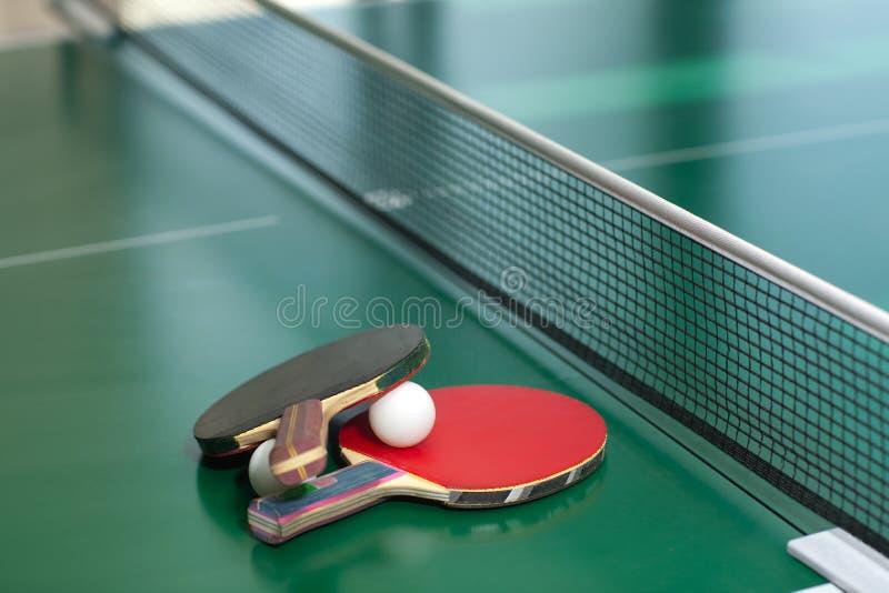 De rackets en de bal van het pingpong royalty-vrije stock foto