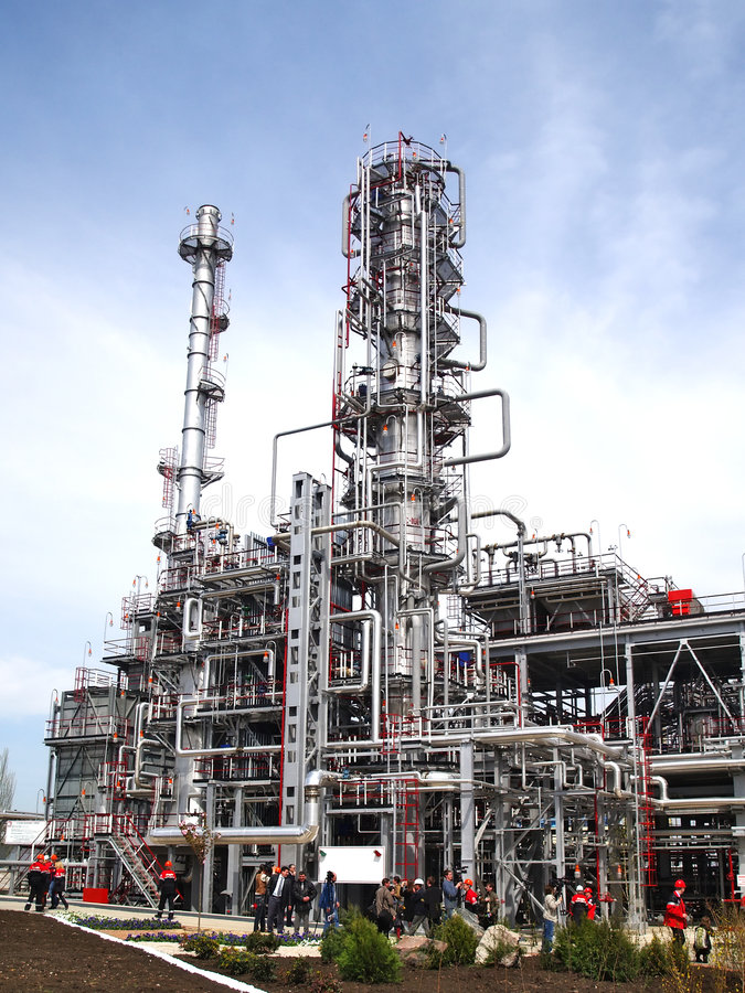De raffinagefabriek van de olie royalty-vrije stock afbeeldingen