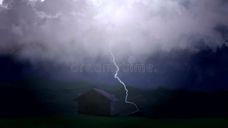 De rampzalige onweersbui veroorzaakt strenge schade aan landbouwershuis, bliksem stock afbeeldingen