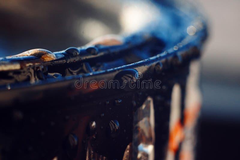 De rand van de verf voor reparaties in de waterdruppeltjes royalty-vrije stock fotografie